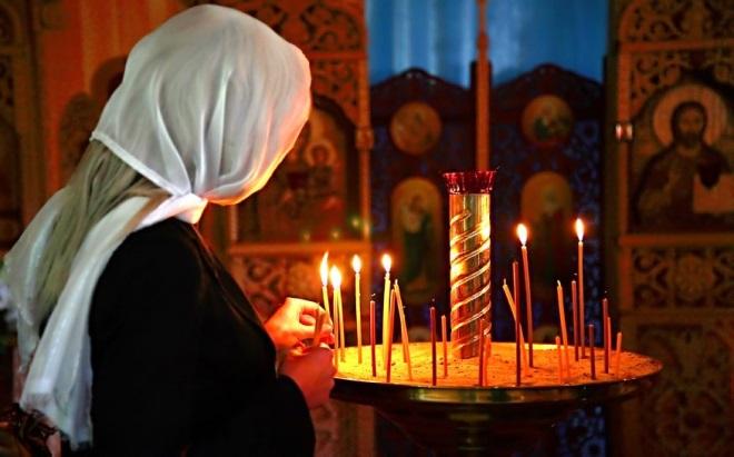 MINUNE înainte de Paşti la mânăstirea Curtea de Argeş – O femeie a ÎNVIAT din morţi ! !