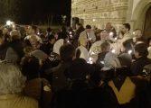 GALERIE FOTO - Argeşenii încântaţi de slujba de Înviere de la Biserica Domneasca !