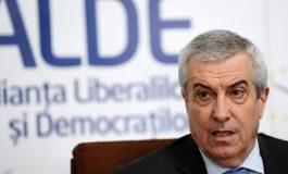 ŞOC ÎN ALDE, TĂRICEANU PIERDE TOT - Sute de membri au plecat intr-o singura zi prin demisii in bloc