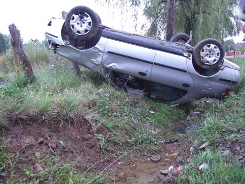 ACCIDENT!  Masina răsturnată!