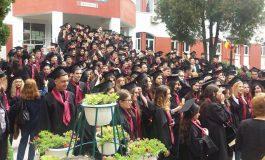 VIDEO! Elevii de la Vlaicu au defilat pe Bulevard - Au terminat clasa a XII-A