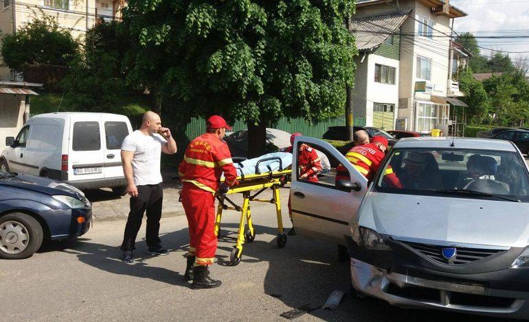 VIDEO! Accident cu trei victime – Trafic blocat in Curtea de Arges