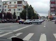 ACUM ! ACCIDENT în oraş, doua autoturisme implicate !