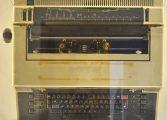 Obiectul lunii mai la Muzeul Municipal - Masina de scris electronica din 1983