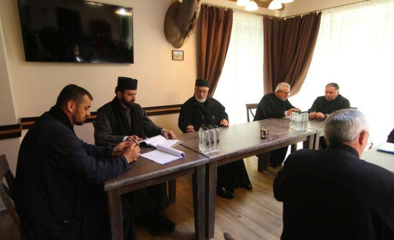 Arhiepiscopia Argeşului, refuzată de consilierii din Piteşti – Preoţii au vrut teren pentru o nouă biserică