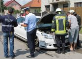 VIDEO FOTO - ACCIDENT SPECTACULOS CU TREI MAŞINI ÎN CURTEA DE ARGES