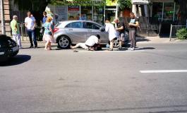 """Accident în faţa Teatrului """"Alexandru Davila""""!"""