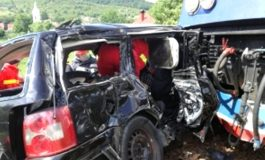 ȘOCANT! Trei morţi şi doi grav răniti după ce un tren a SPULBERAT o mașină