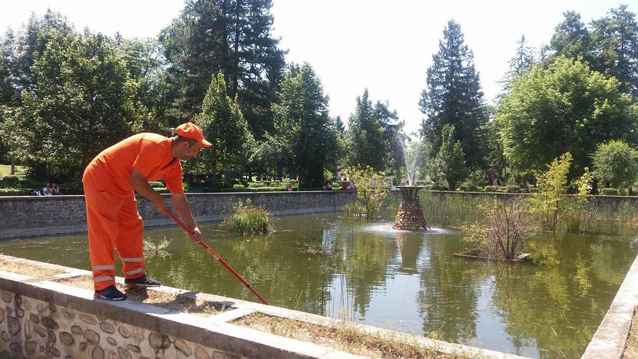 Serviciile publice s-au aprovizionat cu apa pentru muncitori