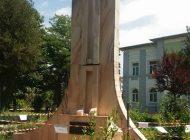 DELASARE TOTALA! Monumentul veteranilor in stare deplorabila la doua luni dupa ce a fost vandalizat