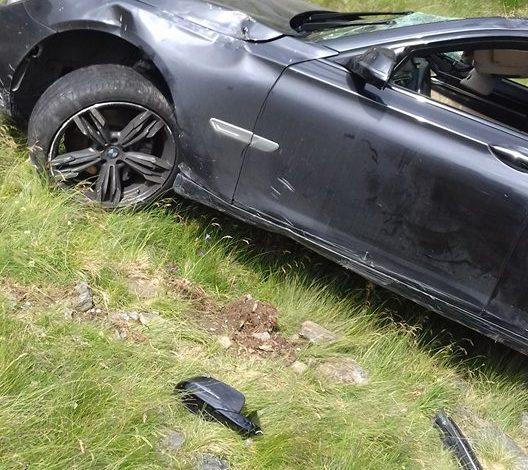 GALERIE FOTO  BMW-ul a fost scos din râpa de pe Transfăgărăşan – UITE CUM ARATĂ ACUM