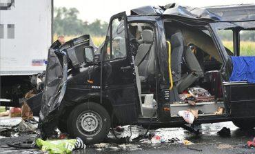 VIDEO ! TRAGEDIE, 3 români morti si alti 6 raniti intr-un accident cu microbuz in Ungaria