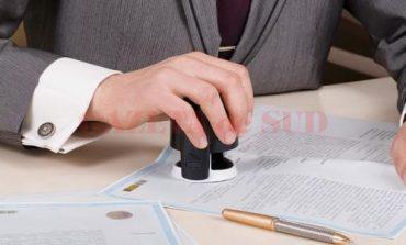 Ştampilarea contractelor cu autoritățile nu va mai fi obligatorie pentru firme și PFA-uri