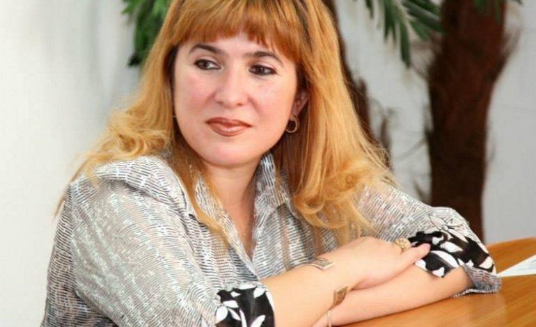ALTFEL O VEDE LUMEA ! Carmen Salub de la Centrul Cultural o are mai mare