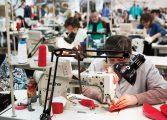 EXCLUSIV!Angajatele unei croitorii din Curtea de Argeş sunt revoltate