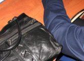 MAI EXISTA OMENIE LA CURTEA DE ARGES -  A restituit o geantă  plina cu bani unei femei