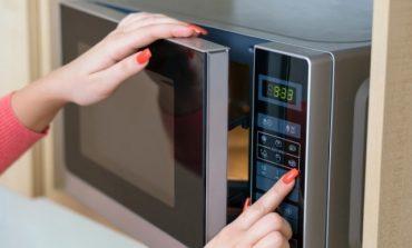8 întrebuințări ale cuptorului cu microunde - Nu te-ai fi așteptat la asta