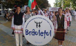 Sute de copii din intreaga lume au venit la Festivalul Brauletul