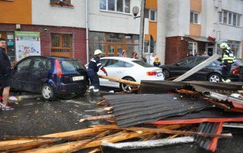 ATENTIE! Furtunile tot mai puternice baga spaima in administratiile locale - Incep verificarile