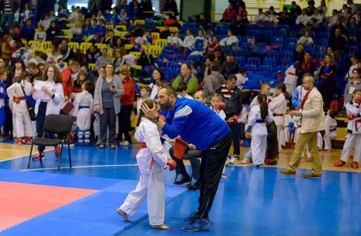 6 medalii de aur pentru karatistii din Mioveni