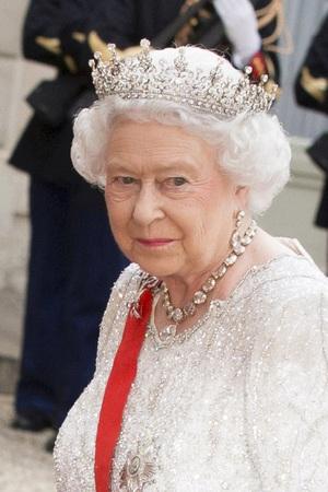 Cele 10 legi pe care Regina Elisabeta a II-a le poate încălca
