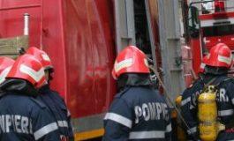Arde o casa in Arges - Pompierii nu pot ajunge la incendiu