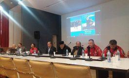 VIDEO! Inconjurat de prieteni, VALENTIN RETEVOI a lansat o carte document