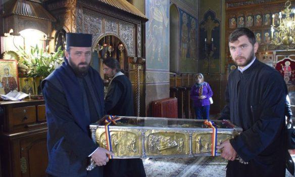 Moaştele Sfântuliţei de la Curtea de Argeş AU FOST MUTATE !