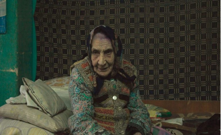 """GALERIE FOTO – EXCLUSIV!Împreună, pentru ultimul Crăciun al unei bătrâne – """"Să nu mă uiți, mamă!"""""""