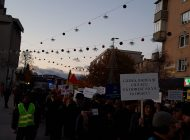 Protest la Pitesti - 1000 de oameni in strada