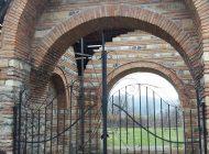 PACAT!Monument istoric de o realǎ valoare, luat de vânt