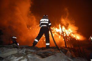 Incendiu in Arges – Casa in flacari