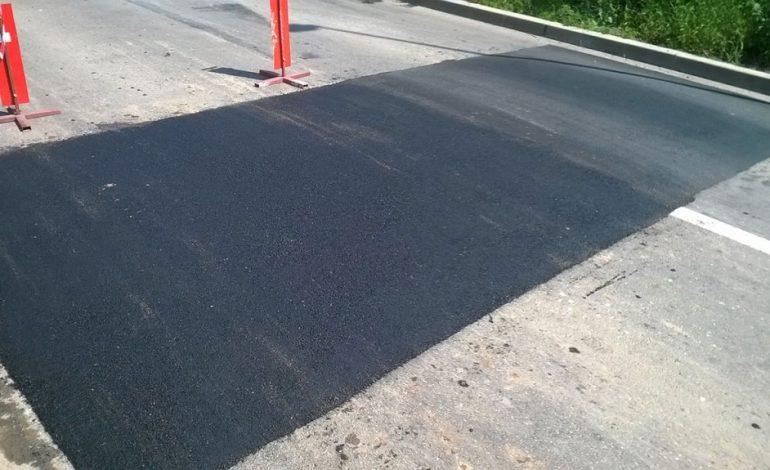 La Curtea de Arges – Limitatoare de viteza din … asfalt