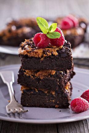 Cum poţi prepara negresă cu ciocolată, merişoare şi nuci