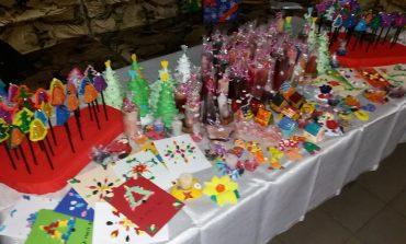 Nu ezitati, vizitati si cumparati ! Expozitie cu produse realizate de copiii cu dizabilitati de la HAND ROM