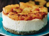 Cheesecake cu cocos si ananas caramelizat