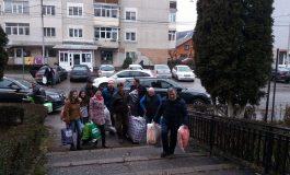 S-a încheiat campania umanitarǎ – Liberalii au donat bunurile strânse, argeşenilor rǎmaşi fǎrǎ locuinţǎ