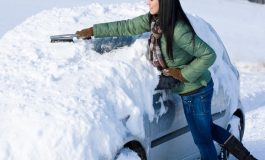DE SEZON! Cum cureti si dezgheti RAPID MASINA  de zăpadă fără să zgârii vopseaua