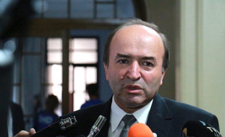 INCENDIAR Ministrul Justiţiei, 'FĂCUT PRAF' de un coleg: 'Nici la STALINIŞTI nu s-a întâmplat asta'