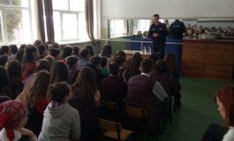 Jandarmi in școlile din Argeș - Vezi motivul!