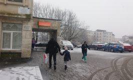 GALERIE FOTO! In plin sezon de GRIPĂ, regulamente DOAR pe hârtie - Vezi ce se întamplă la Spitalul Curtea de Argeș