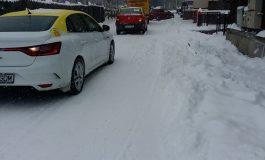 ATENȚIE! Drumuri cu circulație îngreunată in Argeș - Vezi unde poți semnala problemele legate de zăpadă