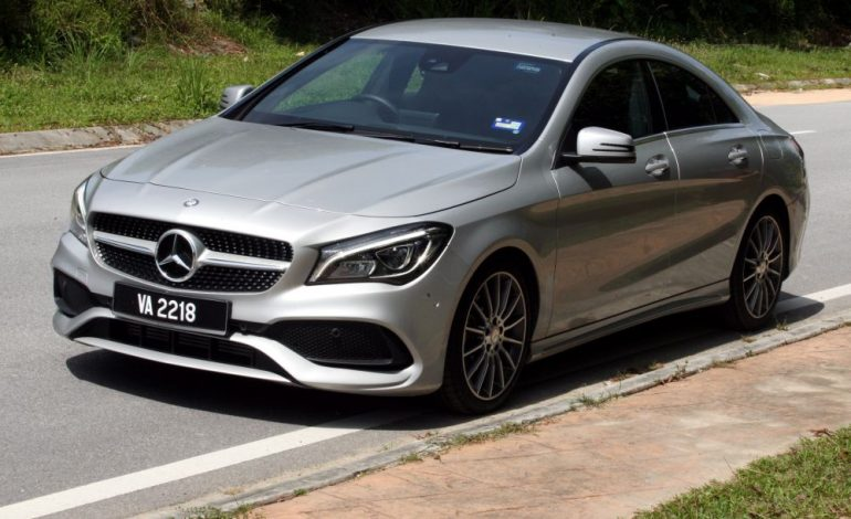 Mercedes recheama in service 1.700 de vehicule in Romania , în scandalul airbagurilor ce se deschid singure