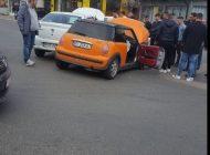 Accident in Pitesti - Victima blocată in mașină