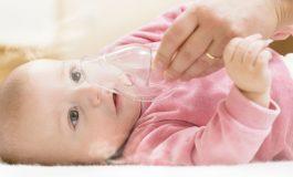 3 modalități în care poți ameliora afecțiunile respiratorii ale bebelușului tău