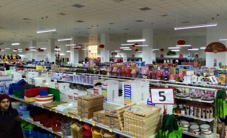 Chinezii au invadat Argeşul – Micii afaceristi locali in pericol ? TU CE PARER AI ?
