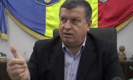 """VIDEO Primarul Gutău de la Rm. Vâlcea jigneste în public o jurnalista: """"E redusa mintal !"""""""