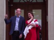 Primele imagini cu BEBELUŞUL REGAL, la aproximativ 6 ore de la naştere. Kate Middleton şi prinţul William l-au prezentat lumii, la ieşirea din spital