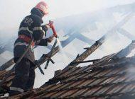 ACUM! Casă în flăcări la Cepari