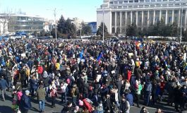 Astazi, PROTEST de amploare în Bucureşti şi alte oraşe, inclusiv Pitesti: 'Vrem Europa, nu dictatură!'